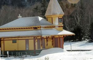 Crawford notch rail house 1
