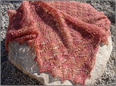 Cracklin_rosie_shawl_outside_3