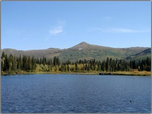 Silver_lake_and_mountain