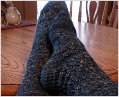 Lady_blue_socks_finished_2