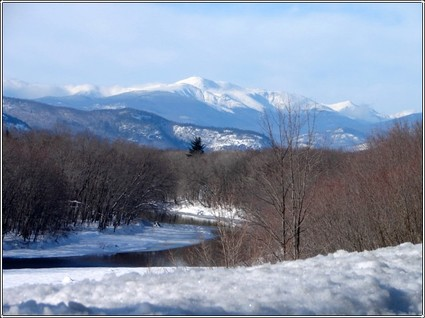 Nice_mt_washington_and_river